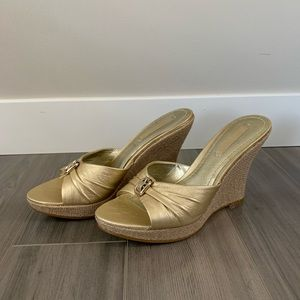 NEW Nine West Gold Wedge Sandals, Size 7.5